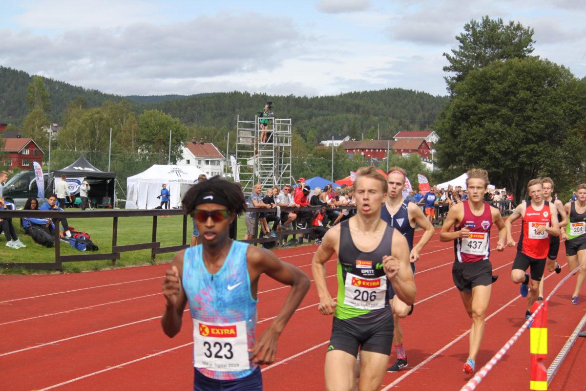 Abdullahi satser på å slå persen på 800 m