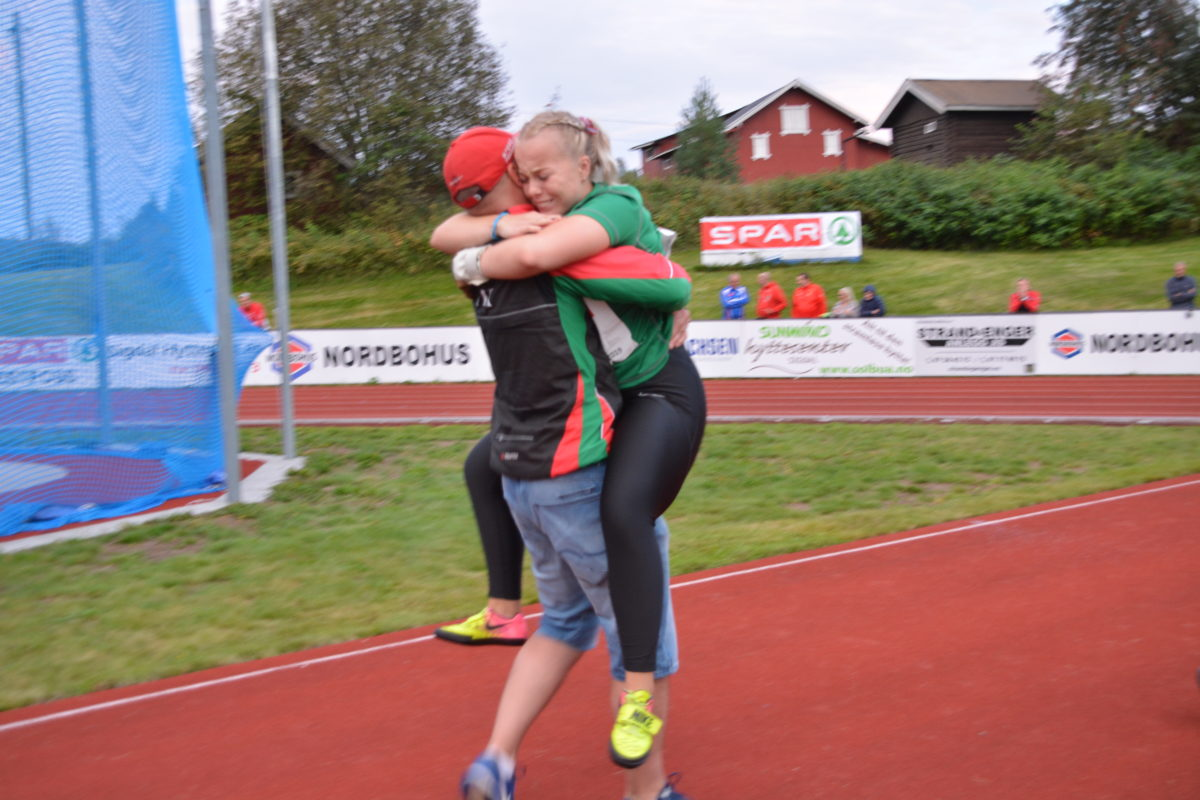 GULL til Helle Henriksen Hvidsten fra Modum FIK!. Foto: NM Jr. Sigdal 2019
